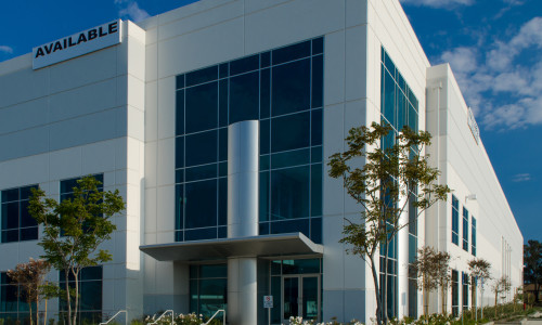 major distribution warehouse center readt to be leased